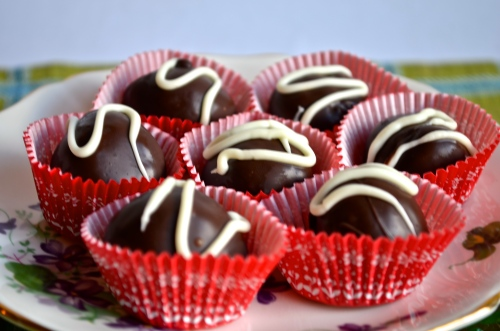 Candy Cane Truffles // Pale Yellow