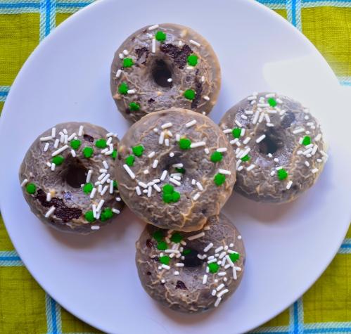 baileys glazed chocolate doughnuts // pale yellow