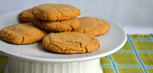 peanut butter stuffed peanut butter cookies // pale yellow