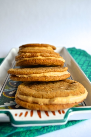 Brown Butter Snickerdoodles with Dulce de Leche Buttercream Filling | Pale Yellow