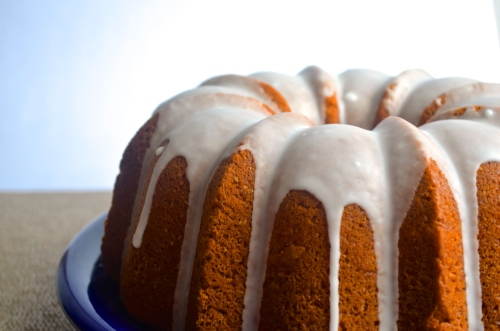 lemon bundt cake | pale yellow