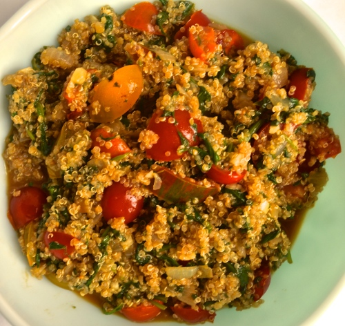 tomato spinach garlic quinoa | pale yellow