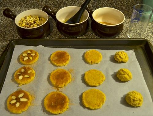 sand dollar cinnamon cookies   pale yellow