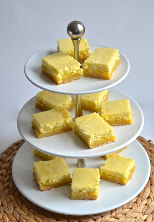 lemon cheesecake bars | pale yellow