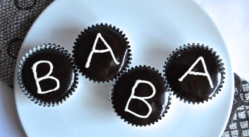 Gender Reveal Hostess Cupcakes | Pale Yellow