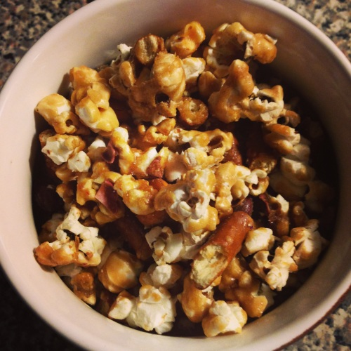 caramel corn | pale yellow