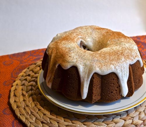 pumpkin bundt cake with cream cheese frosting | pale yellow