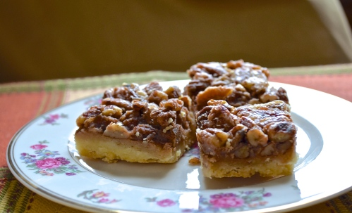 salted caramel pecan bars | pale yellow