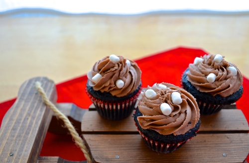 Hot Cocoa Cupcakes | Pale Yellow