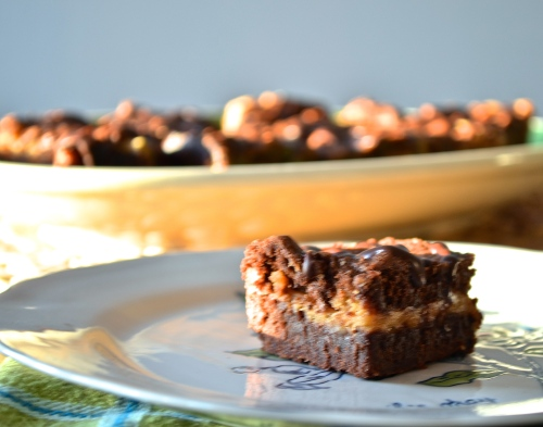 chocolate peanut butter cheesecake bars | pale yellow
