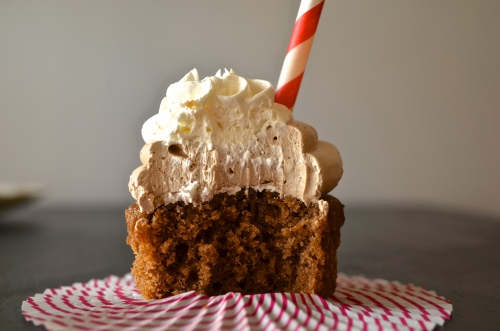 Root Beer Float Cupcakes | Pale Yellow