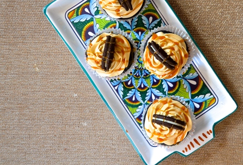 Caramelized White Chocolate Oreo Cupcakes | Pale Yellow