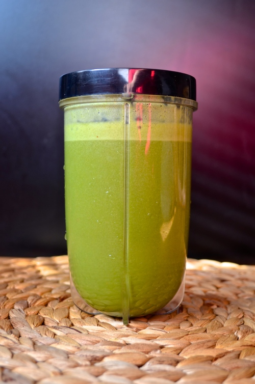 green smoothie 2 | pale yellow (almond milk, spinach, pineapple, strawberry, and flax)