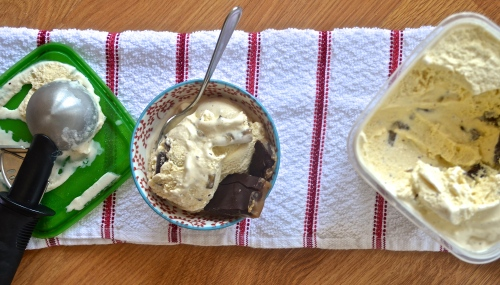 toffee crunch vanilla ice cream | pale yellow