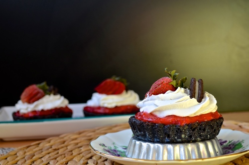 Vegan Chocolate Strawberry Tarts | Pale Yellow