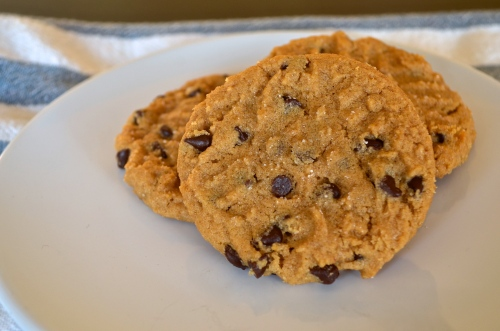 Easy Penaut Butter Chocolate Chip Cookies | Pale Yellow