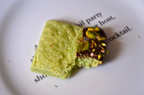 chocolate dipped pistachio shortbread | pale yellow
